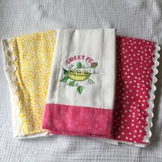 Set of 3 Sweet Pea Burp Cloths by BestFriendsBaby on Etsy https://www.etsy.com/listing/246157098/set-of-3-sweet-pea-burp-cloths