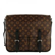 Luxury and functionality are the selling points of the Christopher Messenger. Made in the famous Monogram Macassar canvas, this soft bag gives a feel of greatness to every appear and provides an ample interior room . http://www.luxtime.su/louis-vuitton-monogram-macassar-christopher-messenger-m41643