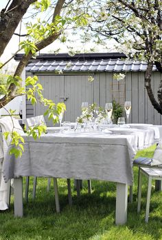 Outside-table-setting1.png 700×1.044 Pixel