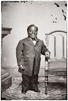 """The American minstrel performer Japanese Tommy, aka Thomas Dilward, circa Brady-Handy Photograph Collection. """"Thomas Dilward also known by the stage name Japanese Tommy, was an African American dwarf who performed in the blackface minstrel show"""". Vintage Photographs, Vintage Photos, Minstrel Show, Shorpy Historical Photos, Black History Facts, African Diaspora, Booker T, African American History, Photo Archive"""