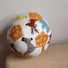 @ellibeaven's English paper pieced ball is crazy cool!