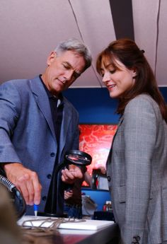 "NCIS - Season 1 Episode 2 - ""Hung Out To Dry"" Mark Harmon & Sasha Alexander as Leroy Jethro Gibbs and Caitlin Todd"