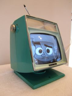 Art,fashion,design,technology etc from the atomic space age Vintage Tv, Vintage Antiques, Vintage Space, Vintage Classics, Vintage Television, Television Set, Gadgets, Radios, Old Technology