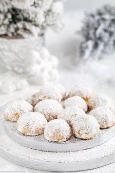 Kekse Rezepte: Walnuss Schneebälle & www.emmikochteinf& Biscuit Recipes: Walnut Snowballs & www.emmikochteinf & The post Biscuit recipes: walnut snowballs & www.emmikochtinf & appeared first on Pink Unicorn. Cinnamon Cream Cheese Frosting, Cinnamon Cream Cheeses, Cookies Et Biscuits, Chip Cookies, Cookie Recipes, Dessert Recipes, Pumpkin Recipes, Cupcake Recipes, Pasta Recipes