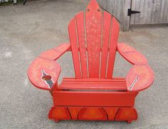 Saw this chair in Kennebunkport, Maine while waiting in line for a lobster roll. Cute!