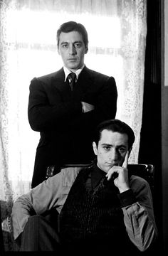 A gallery of The Godfather: Part II publicity stills and other photos. Featuring Al Pacino, Robert De Niro, Diane Keaton, Francis Ford Coppola and others. Movie Stars, Movie Tv, Black White Photos, Black And White, The Godfather Part Ii, The Godfather Poster, Godfather Movie, Don Corleone, Photo Star