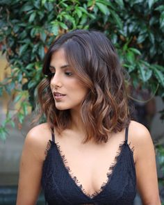 TOP 55 Bob hairstyles haircuts inspirations year ideas TOP 55 Bob Frisuren Haarschnitte Inspirationen im Jahr Ideen - Unique Long Hairstyles Ideas Medium Hair Styles, Curly Hair Styles, Hair Medium, Ombre For Medium Hair, Ombre Hair Styles, Short Hair Ombre Brown, Curls For Medium Length Hair, Medium Curly, Black Ombre
