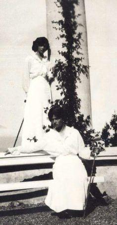 Grand Duchesses Olga and Tatiana Nikolaevna Romanova of Russia at the ruined palace of Oreanda in the Crimea in 1914.A♥W