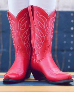 a2dcc4e2bfe Here Are 14 Stylish Vegan Cowboy Boots