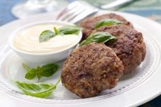 Chiftele de linte cu usturoi - Culinar.ro Romanian Food, Albondigas, Daniel Fast, Recipe Boards, Snack, Salmon Burgers, Vegetable Recipes, Vegan Vegetarian, Quinoa