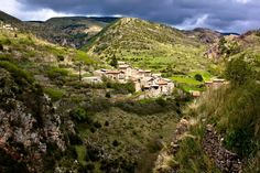 Castellar de n'Hug (Pirineu Català) Barcelona, Safe Place, This Is Us, Outdoor, Life, Google, Pyrenees, Countries, Outdoors
