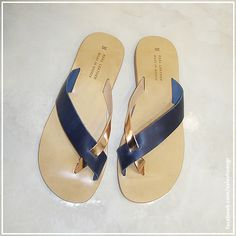 Flat Sandals, Flats, Shoe Collection, Salvador, Me Too Shoes, Walking, Footwear, Slip On, How To Wear
