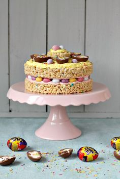 Ultimate Easter Egg Cake von Lets Talk Mommy - Ostern Essen Chocolate Easter Cake, Easter Egg Cake, Easter Cupcakes, Flower Cupcakes, Christmas Cupcakes, Easter Ham, Easter Lunch, Easter Food, Gourmet Cupcakes
