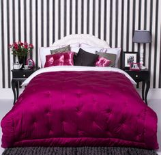 Hot-Pink-and-Black-Bedroom-idea. Glamorous bedroom design with black and white pinstripe wall and fuchsia bedspread. Glam Bedroom, Trendy Bedroom, Bedroom Sets, Bedroom Decor, Bedroom Furniture, Bedroom Carpet, Master Bedroom, Black Furniture, Furniture Ideas