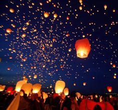Starry eyed surprise: Thousands of Chinese lanterns are released during the Kupala Night in Poznan, Poland to celebrate Midsummer Floating Lanterns, Sky Lanterns, Paper Lanterns, Floating Lights, Starry Night Wedding, Lantern Festival, Voyage Europe, Chinese Lanterns, Party