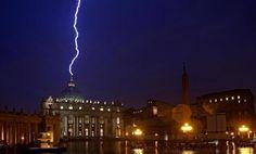 Fulmine a Piazza S. Pietro - Roma