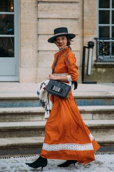 The Best Street Style From Paris Fashion Week Day 1 - March 1018