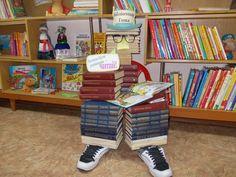Библиотекарь Гоша в детской библиотеке №7 г.Николаева