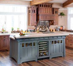 îlot central de cuisine en bleu gris, style rustique