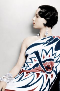 Louise Brooks, 20's It-Girl in rare colorized glory <3