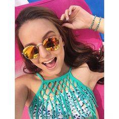 """""""Vem aí a coleção moda praia da @ciadobroto_oficial By Larissa Manoela  Um modelo de biquíni mais lindo que o outro! Ansiosa pra mostrar logo pra vocês """""""