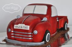 The vintage Truck Cake - Vanilla Cake with buttercream filling covered with fondant By Nice Ribbon Atelier