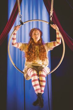 Oustanding, Stunning, Mind Blowingly Amazing Theatre! Go see Hetty Feather. A Family Review at Nottingham Theatre Royal