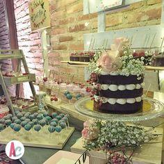Feliz día de domingo!!! Con recenas así... Se hace más llevadero el madrugar... #sweetbar #enamoradosdenuestrotrabajo #bodasbonitas @tartasdeveronica el mejor complemento para nuestras barras dulces!!