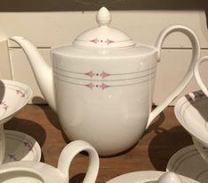 Teservise fra Heinrich, villeroy & Boch «Osiris» | FINN.no Fine Porcelain, Kettle, Tea Pots, Kitchen Appliances, Tableware, Pictures, Diy Kitchen Appliances, Tea Pot, Home Appliances