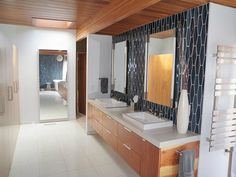 To da loos: Before and After bathroom renovation: Midcentury modern makeover