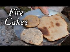 How to cook simple ash-cakes or fire-cakes with just flour, a little water and a bit of salt if you have it. The simplest soldier cooking. Old Recipes, Vintage Recipes, Cake Recipes, Colonial Recipe, Fire Cake, War Recipe, Open Fire Cooking, Depression Era Recipes, Cooking Pumpkin