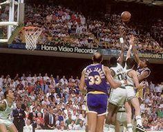 Il y a 30 ans, Magic Johnson terrassait les Celtics d'un bras roulé -  Nous sommes le 9 juin 1987. Il y a 30ans, jour pour jour. Cette année-là, Magic Johnson est élu MVP pour la première fois de sa carrière, et en finale,… Lire la suite»  http://www.basketusa.com/wp-content/uploads/2012/06/magic-johnson-game4.jpg - Par http://www.78682homes.com/il-y-a-30-ans-magic-johnson-terrassait-les-celtics-dun-bras-roule homm