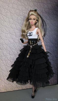 Poppy PArker in black Barbie Fashionista, Barbie Gowns, Barbie Dress, Barbie Clothes, Beautiful Barbie Dolls, Vintage Barbie Dolls, Fashion Royalty Dolls, Fashion Dolls, Barbie Mode