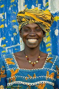 Sorrisos lindos de mulheres africanas - MMO