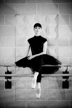 Tamara Rojo, prima ballerina, becomes English National Ballet's director Ballet Images, Ballet Photos, Dance Images, Spanish Art, Last Dance, Ballet Photography, Royal Ballet, Tiny Dancer, Dance Art