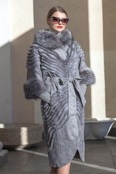 Дизайнерская одежда Queen Fashion, Fur Fashion, Winter Fashion, Fashion Outfits, Womens Fashion, Fur Jacket, Fur Coat, Cool Coats, Fur Clothing