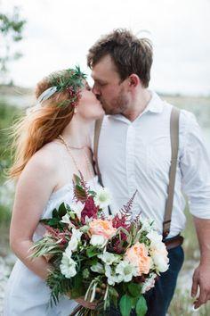 Boho elopement: http://www.stylemepretty.com/texas-weddings/2014/11/19/a-bohemian-elopement-inspirational-shoot/ | Photography: Anna Smith - http://www.annasmithphotography.com/