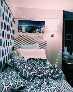 College Apartment decorating college bedroom room ideas color schemes 8 Your Teen: Tips On Successfu Dorm Room Designs, Stylish Bedroom, Blue Rooms, Aesthetic Bedroom, Dream Rooms, My New Room, Room Inspiration, Bedroom Decor, Bedroom Ideas