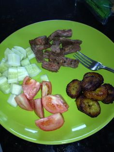 Fajita steak, cucumbers, tomatoes and plantains fried in coconut oil