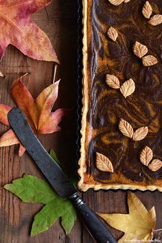 Tarte de Abóbora e Chocolate/ Pumpkin and Chocolate Marbled Tart Pumpkin Tarts, Biscotti, Banoffee, Healthy Pizza, Cheesecakes, Scones, Mousse, Creme, Food And Drink