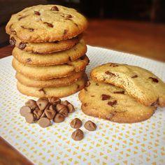 cookies de manteiga de amendoim - ovo, mascavo, demerara, pasta de amendoim, farinha de arroz, farinha linhaca, farinha amendoas, fecula batata, polvilho doce, fermento em po, chocolate