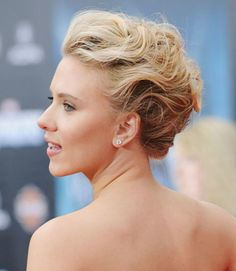 Try an edgy, gelled updo like Scarlett Johansson for a look that makes a big impact and will last all night.
