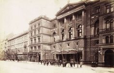 8 hihetetlen dolog, ami eltűnt Budapestről | Az online férfimagazin Budapest Hungary, Beautiful Buildings, Old Photos, The Past, Landscapes, Louvre, Street View, Europe, Black And White