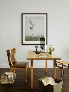 minimalistic dining area table