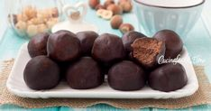 I tartufini alla Nutella e nocciole sono dei dolcetti favolosi, si preparano in 5 minuti senza cuocere nulla e con soli 3 ingredienti, senza burro, uova o zucchero, si sciolgono in bocca!