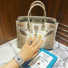 "LeckerGarnet on Instagram: ""🤗"" Chanel Backpack, Chanel Purse, Chanel Bags, Fake Designer Bags, Designer Belts, Designer Handbags, Hermes Handbags, Louis Vuitton Handbags, Hermes Bags"