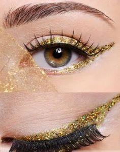Glitter gold eyeliner fun