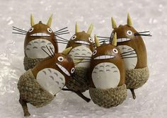 "Totoro, from the 1988 animated movie, ""My Neighbour Totoro"", remains one of the most beloved characters to come out of the magical world of Ghibli. The story of the friendly giant who b… Nature Crafts, Fall Crafts, Diy And Crafts, Crafts For Kids, Deco Kids, My Neighbor Totoro, Acorn, Projects To Try, Kawaii"