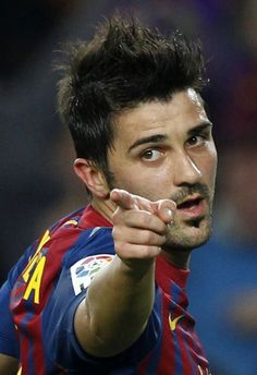 David_Villa_in_FC_Ba.jpg (950×1385)