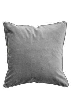 HM Home, 69 kr. Pudebetræk i… Find Furniture, Home Decor Furniture, Hm Home, Grey Lounge, Lounge Design, Cover Gray, Living Room Pillows, Velvet Cushions, Cotton Velvet